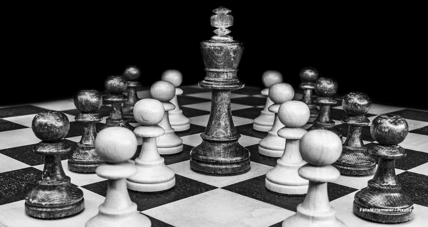 Agilität - Schachfiguren auf einem Brett